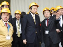 鳩山由紀夫内閣総理大臣(当時)が東京工場をご視察